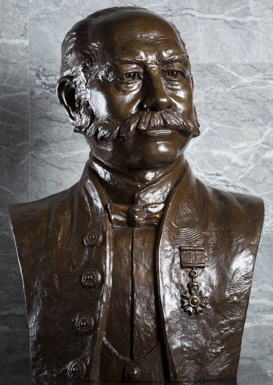 Sir Catchick Paul Chater (Bust) by Chu Tat Shing
